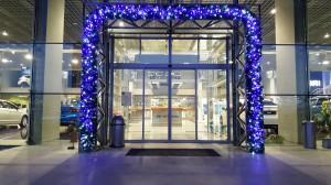 Коледна декорация в шоурум - Hyundai