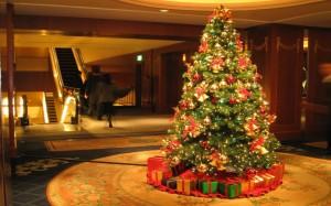 Luxury-Christmas-tree-ideas-960x600
